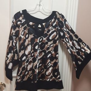 NWOT Satiny blouse with chain pattern